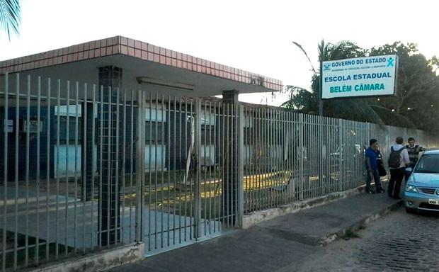 Escola Estadual Belém Câmara, na zona Oeste de Natal, suspendeu as aulas após o ocorrido  (Foto: Murilo Meireles/G1)