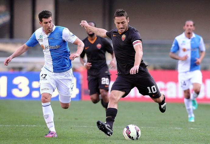 Totti, Verona x Roma (Foto: Mario Carlini / Getty Images)