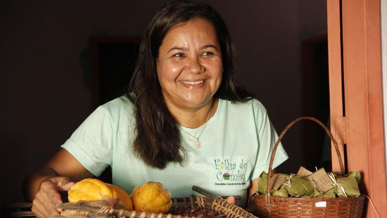 Nena-Ilha-do-Combu-cacau-chocolate (Foto: João Ramid/Ed. Globo)