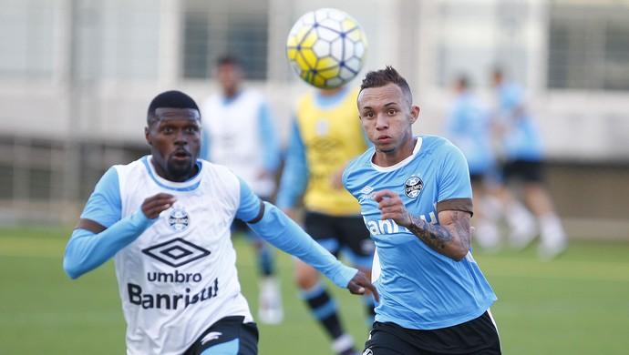 Grêmio, Iago, Everton (Foto: Lucas Uebel / Grêmio / Divulgação)