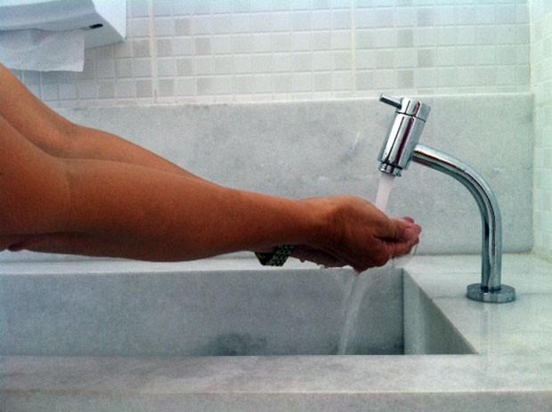 Tarifa de água terá reajuste de 11,22% no RN, diz Caern (Foto: Anderson Barbosa/G1)