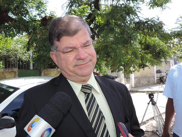 Secretário de Controle Urbano de Olinda, Estevão Brito (Foto: Débora Soares / G1)