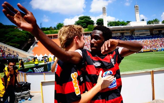 Negueba gol flamengo x bahia copa sp (Foto: Marcos Ribolli/Globoesporte.com)