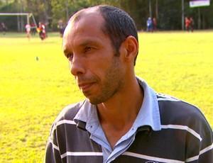 Gilmar Rodrigues, técnico do Paulistinha (Foto: Marlon Tavoni/ EPTV)