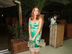 Elegante, Marina Ruy Barbosa usa look todo grifado em evento de moda