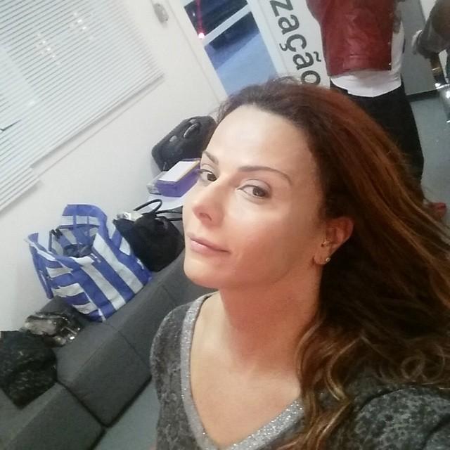 Viviane Araújo antes do make (Foto: Reprodução/Instagram)