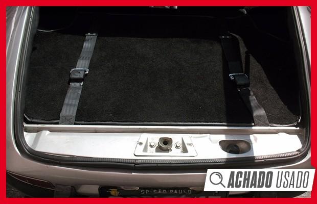 Até os cintos que seguram as bagagens são originais neste SP2 (Foto: Divulgação)