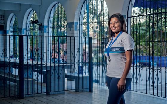 Anna Julya bombou o sétimo ano em matemática.No ano seguinte com os métodos do professor Luiz Felipe,ela levou medalha de prata na olimpíada estadual de matemática (Foto:  Pedro Farina/ÉPOCA)