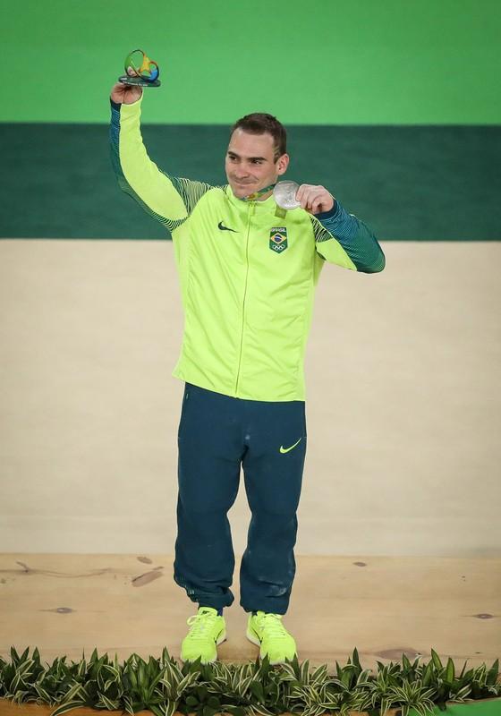 Arthur Zanetti após prova das argolas na Arena olímpica (Foto:  Ricardo Nogueira/ÉPOCA)
