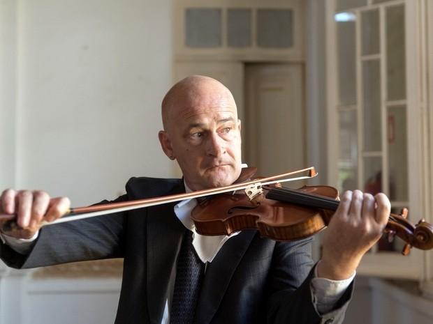 Violinista Claudio Mahle ministra masterclass em Piracicaba (Foto: Carlos Mendes)