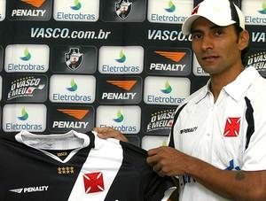 Irrazábal lateral-direito Vasco apresentação (Foto: Divulgação)