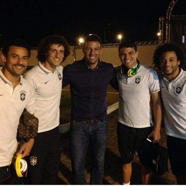 Fred, David Luiz, Washington, Thiago Silva e Marcelo no hotel da Seleção