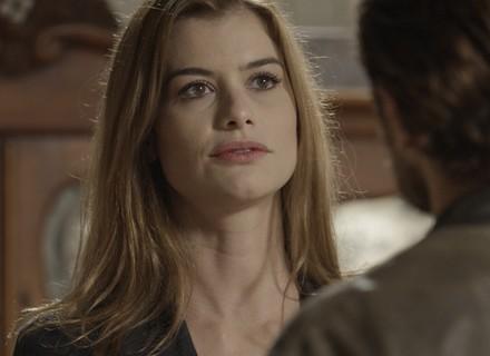 Lívia revela a Felipe que vai romper com Pedro