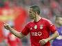 Com dois de Lima, Benfica derrota o Vitória de Setúbal e mantém vantagem