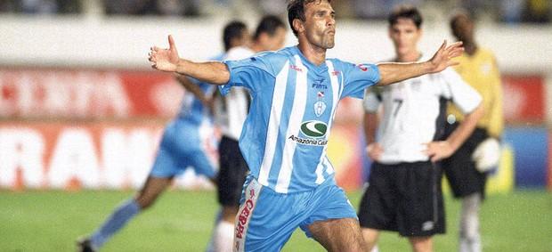 Vandick foi um dos principais jogadores da conquista da Copa dos Campeões de 2002 (Foto: Raimundo Paccó/Arquivo)