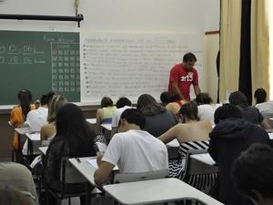 Aplicação de provas do vestibular da Unicamp em uma das salas do Colégio Liceu Salesiano em Campinas  (Foto: Fernando Pacífico / G1 Campinas)