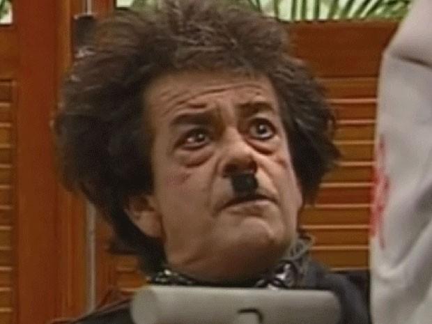 O humorista César Macedo como Seu Eugênio na versão original da 'Escolinha do Professor Raimundo' (Foto: Reprodução/TV Globo)