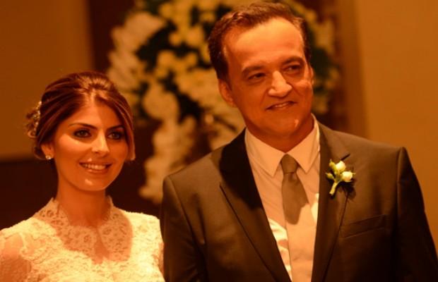 Carlinhos Cachoeira se casou com a companheira, a empresária Andressa Mendonça, na noite desta sexta-feira (28), no condomínio de luxo onde o casal mora, em Goiânia (Foto: Estúdio Maria Célia Siqueira)