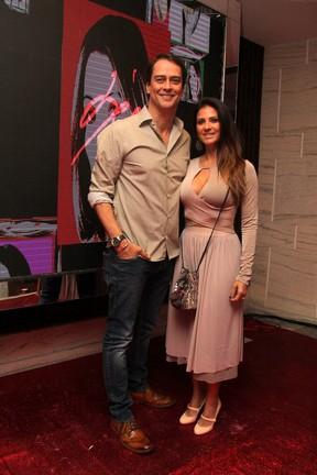 Marcello Antony e a mulher, Carolina Villar, em festa na Zona Sul do Rio (Foto: Wallace Barbosa/ Ag. News)