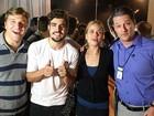 Luiza Valdetaro comemora aniversário com Caio Castro e Marcelo Serrado