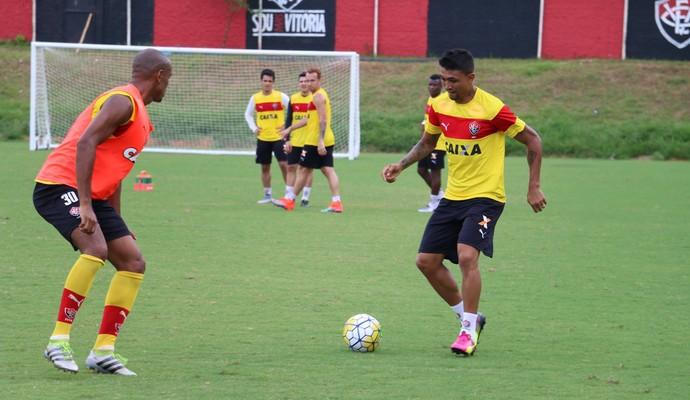 henrique; henrique vitória (Foto: Francisco Galvão/EC Vitória)