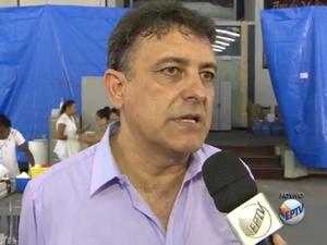 Secretário de Saúde explicou funcionamento da unidade em Rio Claro (Foto: Reprodução/EPTV)
