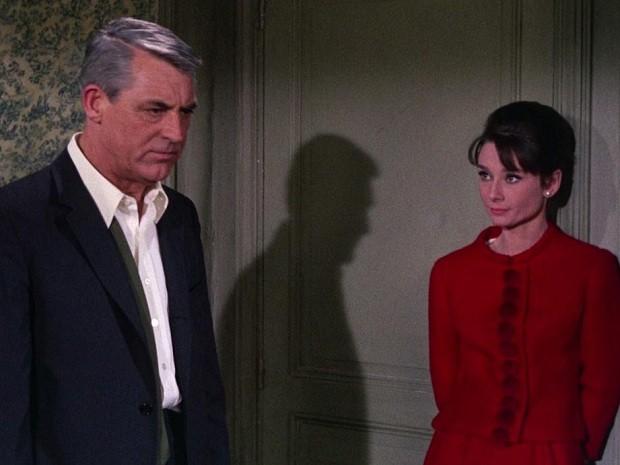 Audrey Hepburn vive par romântico de Cary Grant no romance 'Charada' (1963) (Foto: Divulgação)