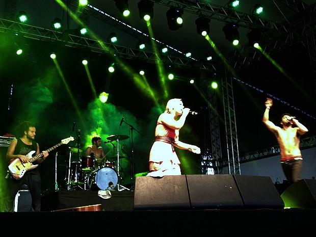 Filhos de Gaya empolgaram com seu reggae no Palco Pretinho Convida (Foto: Felipe Truda/G1)