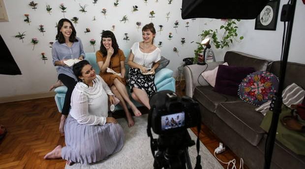 Membros do Clube do Bordado (Foto: Amanda Perobelli / Estadão)