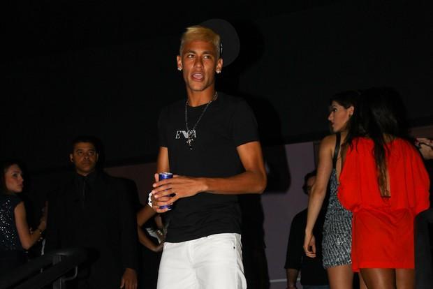 Neymar em sua festa de aniversário em boate em São Paulo (Foto: Manuela Scarpa/ Foto Rio News)