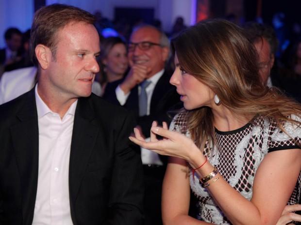 Rubens Barrichello e Daniela Cicarelli em premiação em São Paulo (Foto: Marcos Ribas/ Foto Rio News)