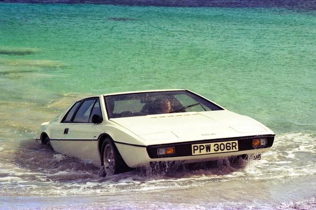 O Lotus Esprit S1 fez muito sucesso graças ao filme O Espião que me amava (Foto: Divulgação)