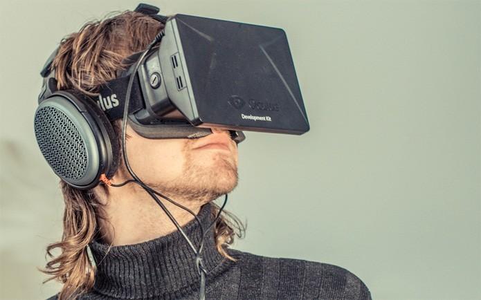 Oculus Rift, o óculos/fone de ouvido de realidade virtual da Oculus VR (Foto: Divulgação)