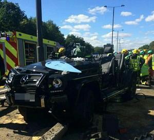 Pape Souare sofre acidente de carro em Londres (Foto: Twitter)