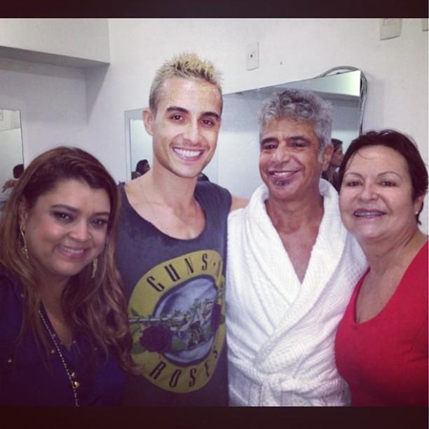 Preta Gil, Thiago Tenório, Lulu Santas e mãe (Foto: Instagram / Reprodução)
