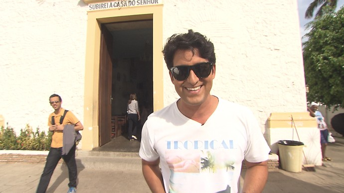 Alessandro Timbó apresenta o 'Mosaico On-line' (Foto: TV Bahia)