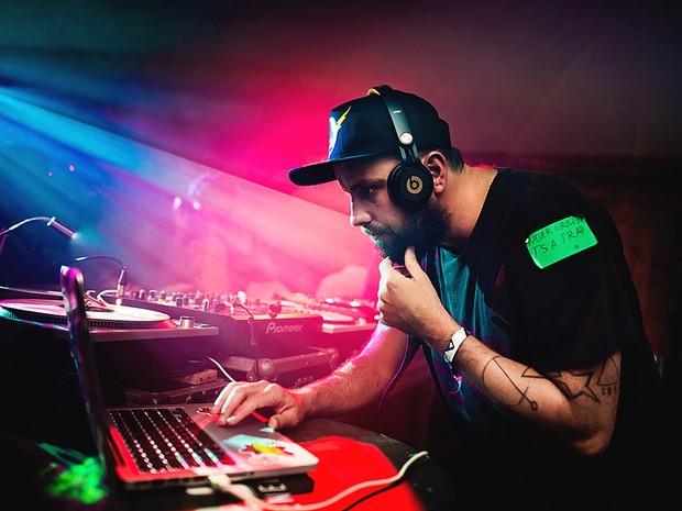 DJ Zeh Pretim lista as músicas brasileiras mais tocadas nas festas do Rio durante a Olimpíada  (Foto: Fernando Schlapfer/Divulgação)