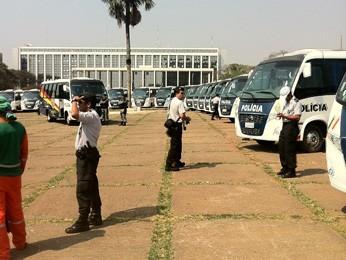 Novas viaturas de transporte entregues para serviço da Polícia Militar do DF (Foto: Willian Farias)