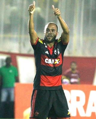 Alecsandro comemora gol do Flamengo contra o Macaé (Foto: Gilvan de Souza / Flamengo)
