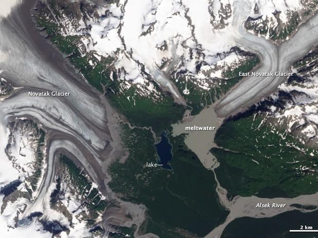 Imagem de satélite de geleiras do Alasca em 2013 (Foto: Divulgação/Nasa)