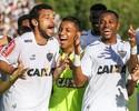 """Mais um, por favor! Fred agradece a """"garçons"""" por dois gols em vitória"""