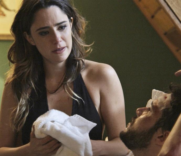 Bruna revela a Giovanni que foi a responsável pela sua prisão: 'Explodi aquele depósito' (Foto: TV Globo)