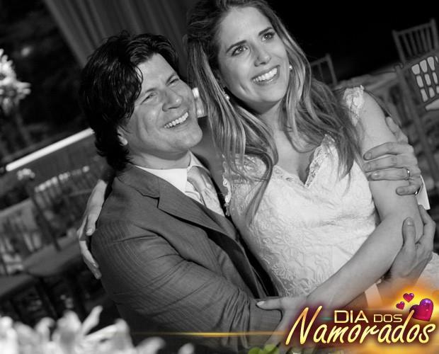 Paulo Ricardo abraçado com a mulher, Gabriela. Ah, esse amor é lindo mesmo! (Foto: Arquivo pessoal)