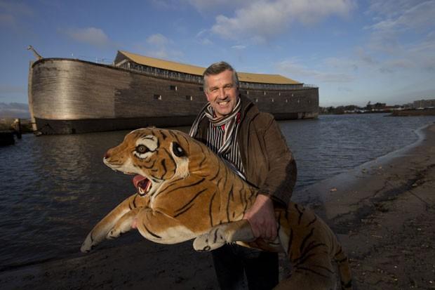 Johan Huibers construiu uma réplica em tamanho real da Arca de Noé. (Foto: Peter Dejong/AP)