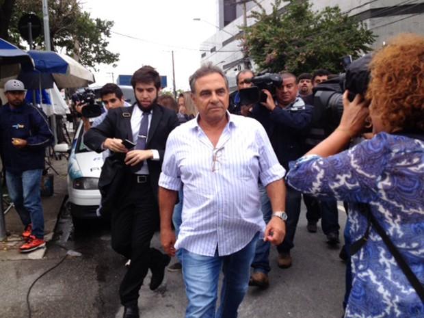 Milton Pascowitch sai da sede da PF em São Paulo (Foto: Paulo Toledo Piza/G1)
