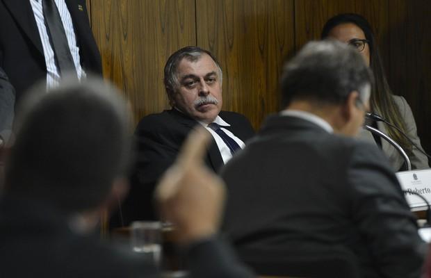 Ex-diretor da Petrobras Paulo Roberto Costa fica em silêncio em depoimento na CPMI, em setembro (Foto: Fabio Rodrigues Pozzebom/Agência Brasil)