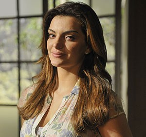 Mayana Neiva preferiu fazer mistério sobre o namorado (Foto: Amor Eterno Amor/TV Globo)