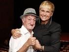 Xuxa e outros famosos lamentam a morte de Russo, ex-assistente de palco