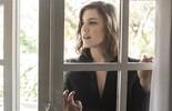 Alice Wegmann encara papel em fase madura, assume lado feminista e discute a sensualidade