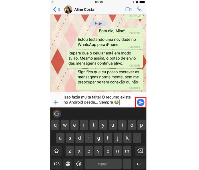 Repare que o WhatsApp está aguardando conexão com internet para enviar a mensagem (Foto: Reprodução/Thássius Veloso)